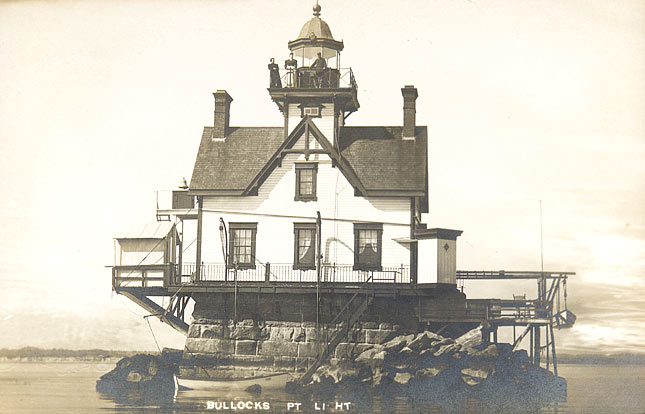 Bullock Point Lighthouse